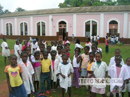 escuela rural en luati-longolo